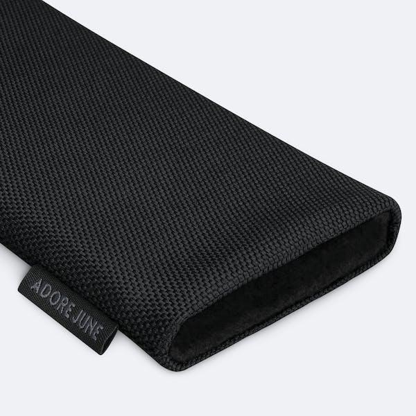 Bild 7 von Adore June Classic Recycled 6,7 Zoll Premium Handytasche für Samsung Galaxy S21 Plus in Farbe Schwarz