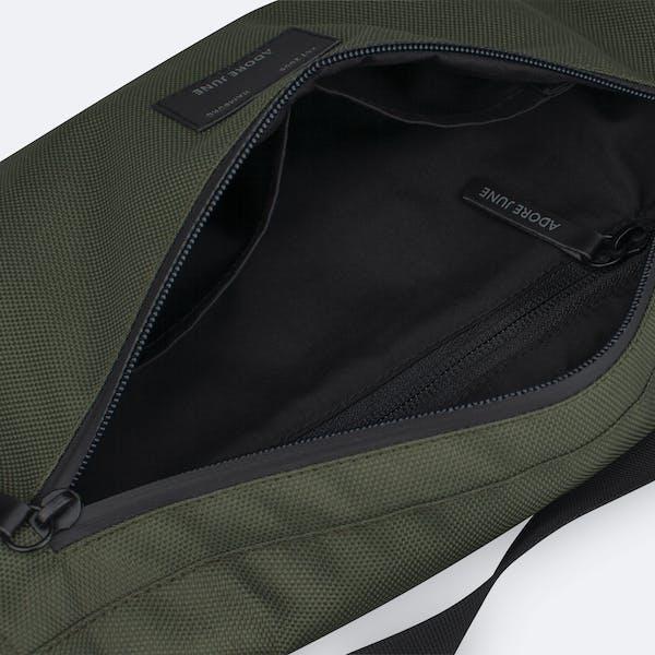 Bild 5 von Adore June Bent Hip-Bag in Farbe Oliv-Grün